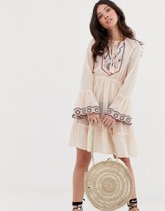 Пляжное платье миди с глубоким вырезом и вышивкой Anmol - Мульти