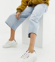 Белые кроссовки на толстой подошве с полосками на вставках Superga 2297 - Белый