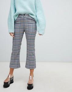 Расклешенные брюки в клетку с бантами на карманах Lazy Oaf - Серый