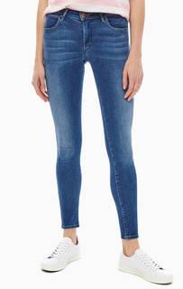 Синие джинсы с карманами и заломами Skinny Wrangler