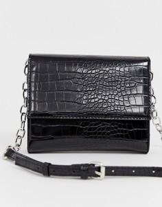 Черная сумка через плечо с эффектом крокодиловой кожи Bershka - Черный