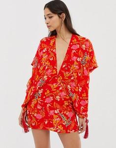 Платье в стиле кимоно с кисточками и цветочным принтом Millie Mackintosh - Красный