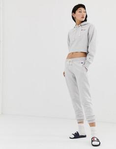 Спортивные штаны с логотипом и кромкой манжетом Champion - Серый