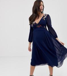 Темно-синее приталенное платье миди с цветочной вышивкой Little Mistress Maternity - Темно-синий