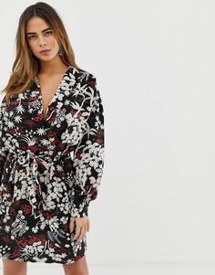 Платье мини с запахом, цветочным принтом и завязывающимся поясом Liquorish - Мульти