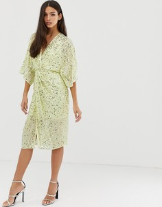 Платье-кимоно миди с перекрученной отделкой спереди и пайетками ASOS DESIGN - Желтый
