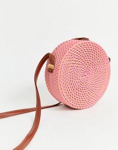 Структурированная круглая сумка из ротанга с оригинальным дизайном ASOS DESIGN - Розовый