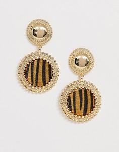Золотистые серьги-гвоздики с тигриным узором ASOS DESIGN - Золотой