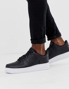 Черные кроссовки с белой подошвой Nike Air Force 1 07 - Черный