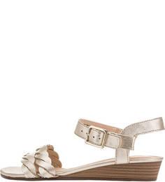 Кожаные сандалии золотистого цвета Clarks