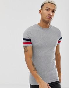 Эластичная обтягивающая футболка серого цвета с контрастными полосами на рукаве ASOS DESIGN - Серый
