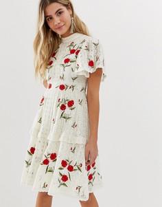Платье миди кремового цвета с кружевными вставками и ярусной юбкой Frock And Frill - Кремовый