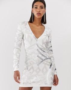 Белое платье мини с глубоким вырезом и отделкой Starlet - Белый