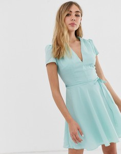 Короткое приталенное платье с V-образным вырезом Glamorous - Мульти