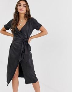 Платье миди из искусственной кожи с запахом ASOS DESIGN - Черный