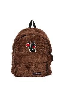 Пушистый коричневый рюкзак Eastpak