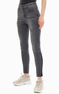 Серые джинсы скинни с необработанным краем 721 High-Rise Skinny Ankle Levis