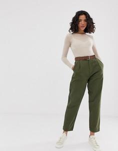Суженные книзу джинсы с поясом ASOS DESIGN - Зеленый