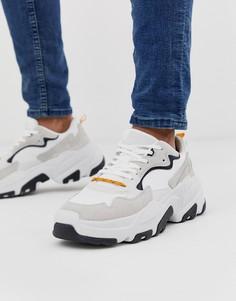 Кроссовки на толстой подошве со светло-бежевыми вставками Bershka - Светло-бежевый