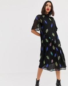 Чайное платье макси с вышитыми перьями и высоким воротом Lost Ink - Черный