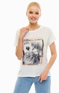 Белая футболка с принтом B.Young