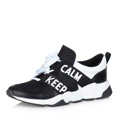 Черно-белые кроссовки с надписями Respect