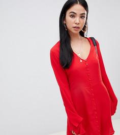 Красное короткое приталенное платье на пуговицах с рукавами клеш Missguided - Красный