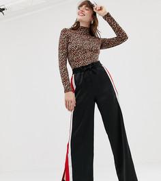 Черные брюки в полоску с разрезами по бокам Monki - Черный