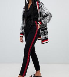Черные джинсы в винтажном стиле из органического хлопка с завышенной талией и полосками по бокам Monki Kimomo - Черный