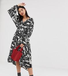 Черно-белое oversize-платье миди с лесным принтом Weekday - Мульти