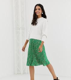 Зеленая атласная юбка миди в розовый горошек Monki - Зеленый