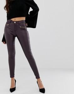 Классические джинсы скинни с покрытием Lipsy - Красный