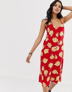 Платье миди на пуговицах с цветочным принтом Motel - Красный