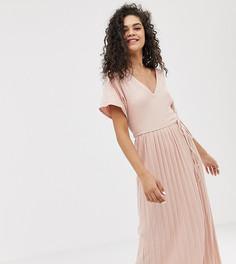 Фактурное платье миди с V-образным вырезом и плиссированной юбкой ASOS DESIGN Tall - Розовый