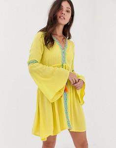 Желтое пляжное платье миди с глубоким вырезом и вышивками Anmol - Желтый