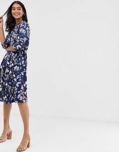 Темно-синее платье миди с запахом и цветочным принтом Liquorish - Мульти