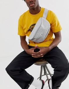 Светло-серая сумка-кошелек на пояс со штрихованным принтом Herschel Supply Co Sixteen, 5 л - Серый