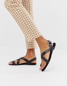 Черные сандалии с ремешками Monki - Черный