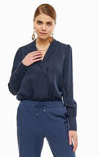 Блуза-боди синего цвета с длинными рукавами и отложным воротничком. Треугольный вырез, сверху застегивается на две кнопки, снизу – на три. Модель выполнена в повседневном стиле и станет прекрасной основой для любого образа. Selected