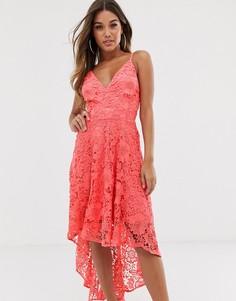 Ажурное платье с асимметричным краем Club L - Розовый