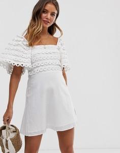 Платье с пышными рукавами и фигурной кружевной отделкой Stevie May Let Me Be - Белый