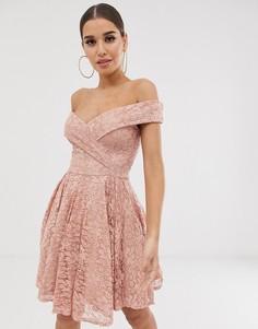 Кружевное приталенное платье миди с открытыми плечами Club L - Розовый