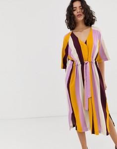 Платье миди с V-образным вырезом и поясом Native Youth - Мульти