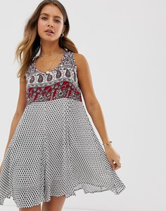 Платье мини с принтом пейсли Raga - Серый