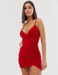 Красное облегающее платье со сборками и асимметричным краем Club L London - Красный
