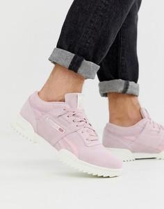 Розовые замшевые кроссовки с фактурной подошвой Reebok - workout - Розовый