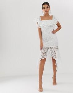 Кружевное платье миди с открытыми плечами и оборками Club L - Белый