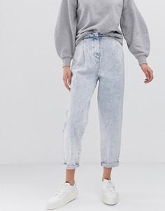Суженные книзу джинсы бойфренда с декоративными швами и эффектом кислотной стирки ASOS DESIGN - Синий