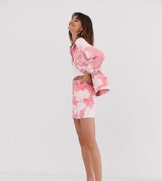 Джинсовая юбка с розовым принтом тай-дай Monki - Розовый