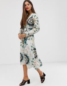 Атласное платье мидакси на пуговицах с принтом тай-дай и поясом Neon Rose - Мульти